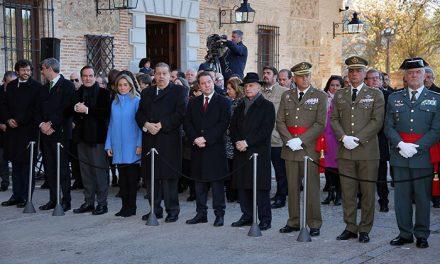 La alcaldesa de Toledo, en el acto institucional del XXIX Aniversario de la Constitución celebrado en las Cortes regionales
