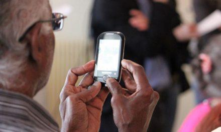 La OMIC promueve la formación en los Centros de Mayores para la prevención de fraudes en las contrataciones de líneas telefónicas