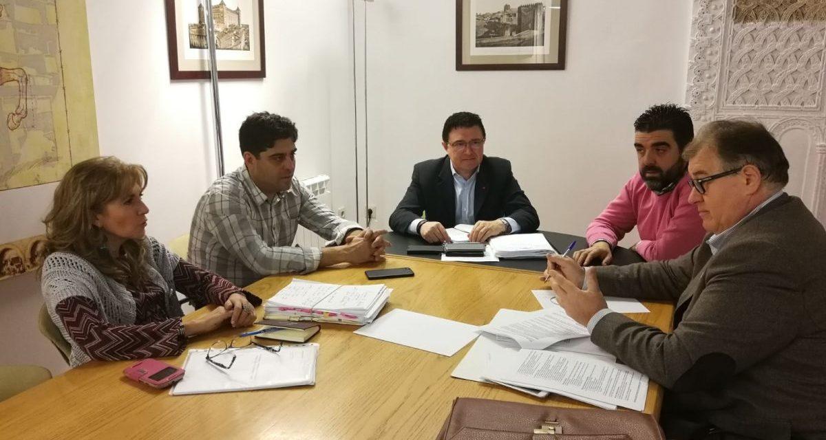 El Ayuntamiento traslada y agradece a comercios y hosteleros los avances en la aplicación de la Ordenanza de Publicidad y Rotulación
