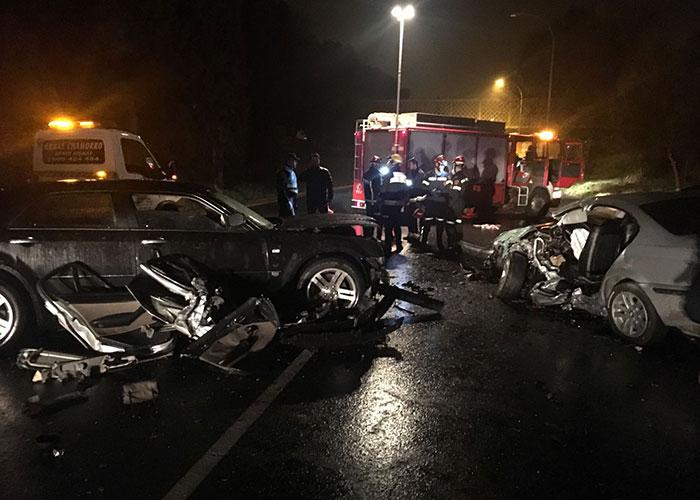 Seis heridos en una colisión frontal entre dos vehículos registrada esta noche en la avenida de Castilla-La Mancha