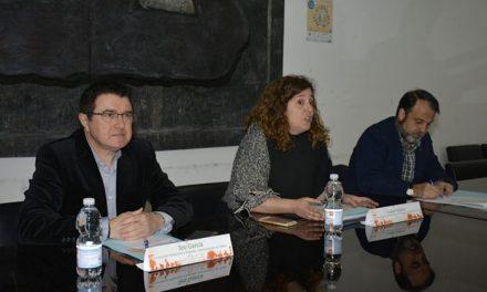La I Jornada Técnica de la Vivienda suscita el interés de multitud de vecinos y entidades para hablar de vivienda e integración