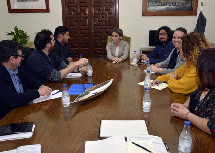 El Grupo de Solidaridad 365+1 recibe el respaldo de la alcaldesa a las iniciativas previstas para los próximos meses por estas ONGs