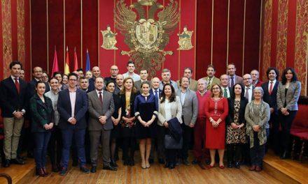 La alcaldesa recibe a la delegación de las Ciudades Patrimonio de la Humanidad que participa en el seminario 'Turismo Seguro'