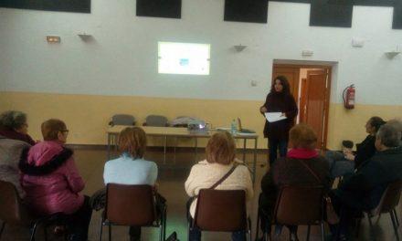 El Ayuntamiento pone en marcha un proyecto piloto de información grupal para acercar a los mayores los Servicios Sociales