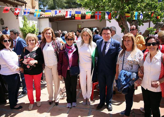 La alcaldesa comparte con los toledanos y las toledanas la jornada central de la romería de la Virgen de La Bastida