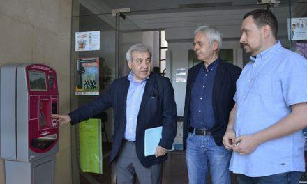 El Consistorio instala tres nuevos puntos de recarga de tarjetas del bus urbano en Buenavista, Polígono y la Estación de Autobuses