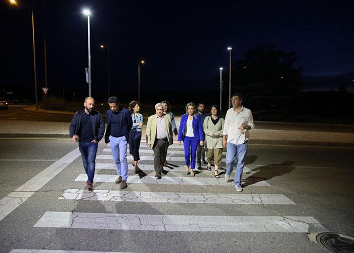 El Ayuntamiento completa el alumbrado de Río Arlés e incorpora un novedoso sistema de iluminación en los pasos de peatones
