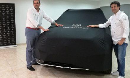 El chef Pepe Rodríguez y Autokrator Mercedes-Benz firman un contrato de colaboración para reforzar los valores de la marca premium en la provincia de Toledo