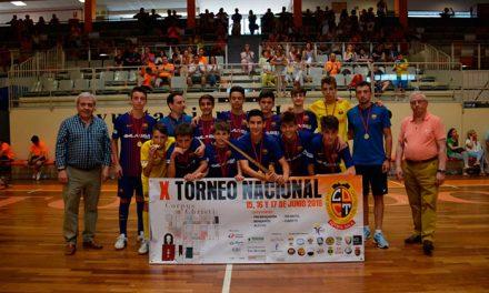 El Ayuntamiento entrega los trofeos del Torneo Nacional de Fútbol Sala Corpus en el que han participado más de 400 deportistas