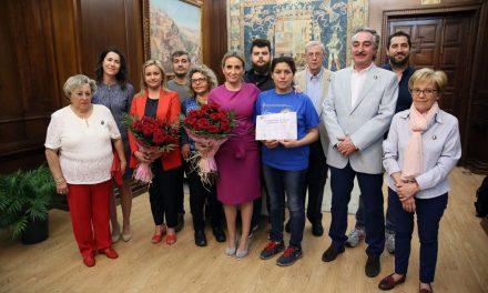 La alcaldesa felicita a la Asociación Provincial de Floristas por el trabajo realizado en la carrera procesional con motivo del Corpus