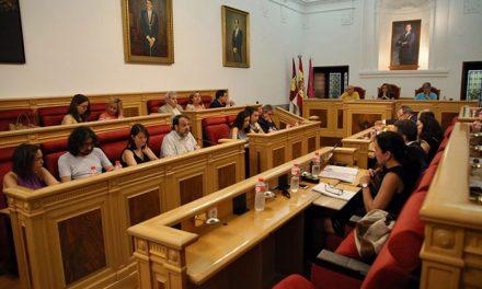 El Pleno saca adelante inversiones por valor de más de 1,5 millones de euros y cancelar un millón de deuda municipal