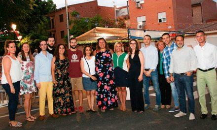 Azucaica arranca sus tradiciones fiestas con el pregón de Laura González y el apoyo de miembros de la Corporación municipal
