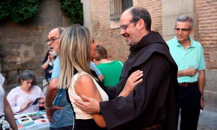 La alcaldesa comparte la festividad del Carmen con la Comunidad de Padres Carmelitas y los toledanos que acuden a esta tradición
