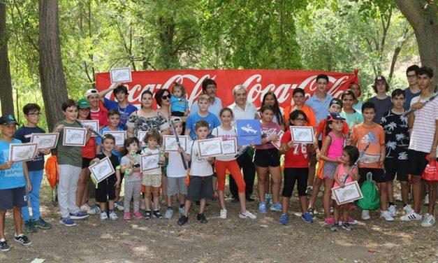 El Ayuntamiento colabora con el XV Trofeo de Feria de Pesca Infantil en el río Tajo celebrado este domingo en la senda ecológica