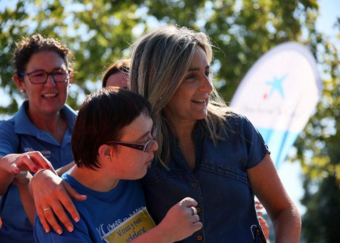 Milagros Tolón se suma al VI Cross y Paseo Solidario Down Toledo que ha reunido a cerca de 1.500 inscritos en la senda ecológica