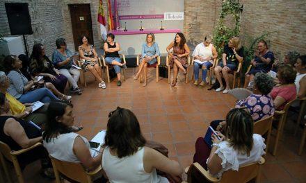 Entidades y asociaciones mantienen un encuentro para centrar los actos del Día Internacional contra la Violencia Machista del 25N