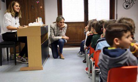 Milagros Tolón destaca la formación que imparte la Escuela Municipal de Música 'Diego Ortiz' que cuenta con 558 matriculados