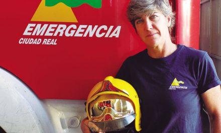 María Luisa Cabañero, primera mujer bombero del país y nadadora con varios récords Guinness y títulos mundiales