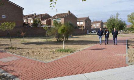 El Ayuntamiento da respuesta a una petición vecinal que solicitaba la conexión peatonal entre Río Bullaque y Río Valdeyernos