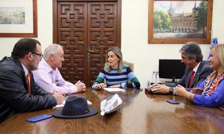 Milagros Tolón atiende las propuestas y medidas de apoyo que demandan las familias numerosas de la capital