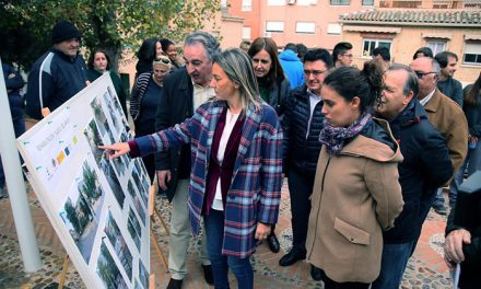 Milagros Tolón destaca que los Programas de Empleo revierten en la mejora de la ciudad, como en la nueva plaza de la calle del Arroyo