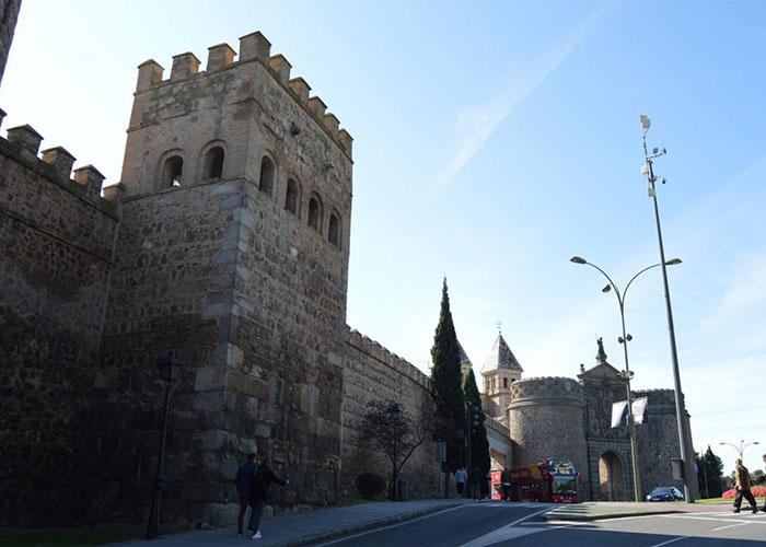 Más de 300 metros de muralla entre Bisagra y Puerta Nueva estrenarán iluminación artística en el XXXII Aniversario como Ciudad Patrimonio
