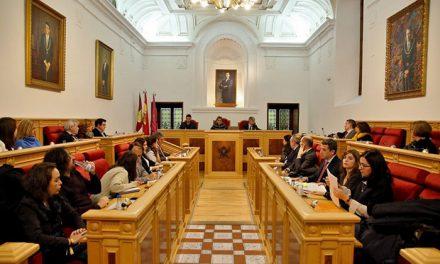 El Pleno aprueba congelar los impuestos, las tarifas y los precios públicos para 2019; y el expediente de honores y distinciones