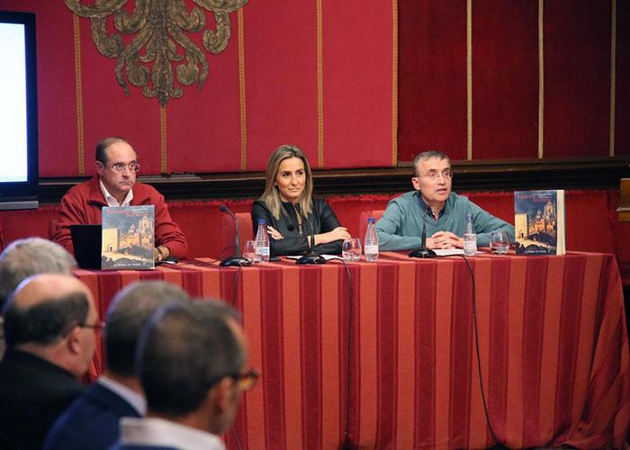 El Consistorio comenzará a publicar en versión digital y a color la colección de monografías 'Cuadernos de Archivo Secreto'