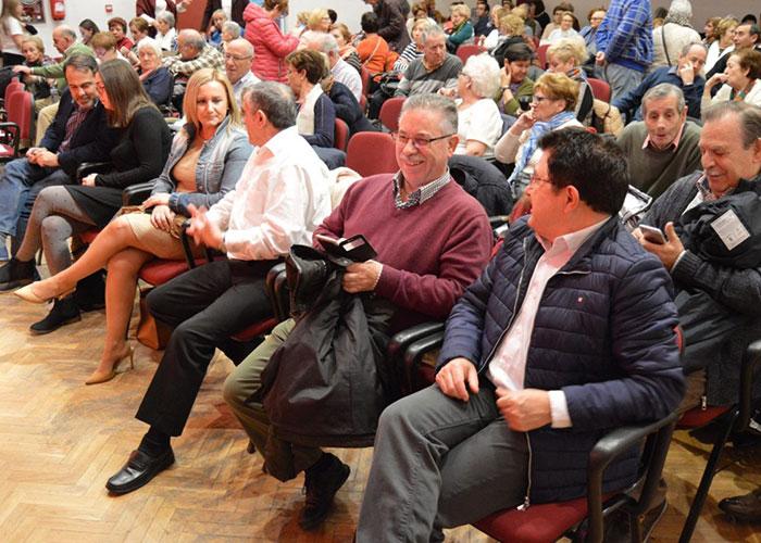 El Centro Municipal de Mayores 'Ángel Rosa' celebra la Navidad con actuaciones musicales y teatro con el apoyo del Ayuntamiento