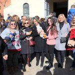 La alcaldesa acompaña a los vecinos del barrio de San Antón en los actos organizados con motivo de la celebración de su patrón