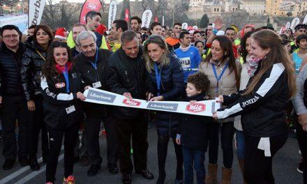 Milagros Tolón da la salida a la XXXVII edición de la San Silvestre en la que participaron más de 5.500 corredores para despedir el 2018