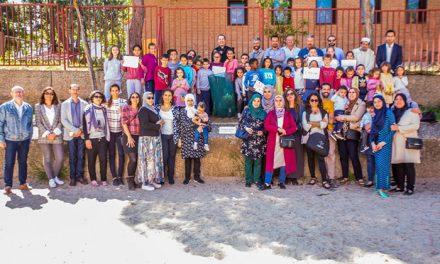 Representantes de los espacios religiosos del Polígono y escolares del barrio participan en la plantación del Árbol de la Paz