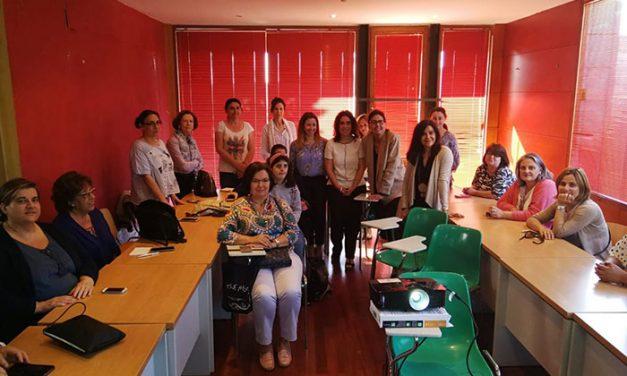 La Escuela Toledana de Igualdad acerca el uso de las nuevas tecnologías y de los dispositivos móviles a través de una masterclass