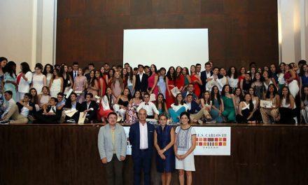 La alcaldesa amadrina la graduación de los alumnos y alumnas de 4º de la ESO del Carlos III y destaca su esfuerzo, dedicación y talento