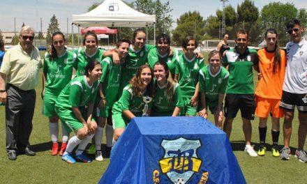 El Ayuntamiento participa en la entrega de trofeos de la Copa de Plata de Fútbol Femenino con la que culmina el X Torneo Corpus
