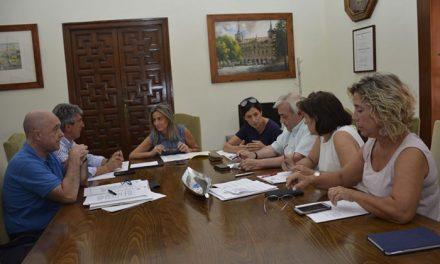 Aprobadas las obras para cubrir las pistas polideportivas de los colegios públicos 'Ángel del Alcázar' y 'Gregorio Marañón'