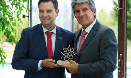 La Fundación VIII Centenario de la Catedral de Burgos reconoce la iniciativa cultural de Toledo y premia a la alcaldesa Milagros Tolón