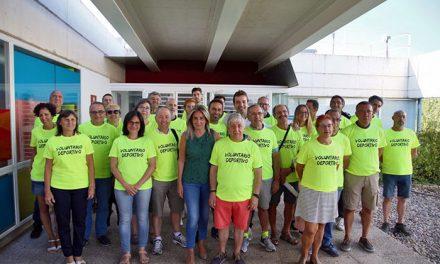La alcaldesa agradece a los voluntarios de la Vuelta Ciclista a España su colaboración y compromiso con el deporte en la ciudad
