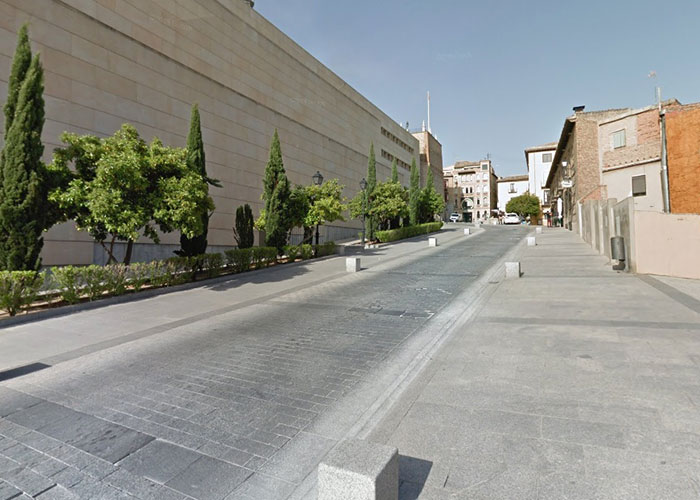 Finaliza la primera fase de las obras de reparación del firme del entorno del Alcázar que continuarán este lunes en la calle de la Paz