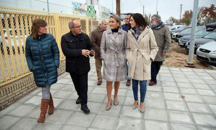 """Milagros Tolón visita la reforma integral ejecutada en los accesos del Polígono industrial, una respuesta a """"una demanda histórica"""""""