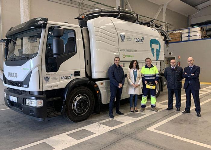 La flota de vehículos del Servicio de Agua y Saneamiento incorpora un camión de alcantarillado y una nueva retroexcavadora