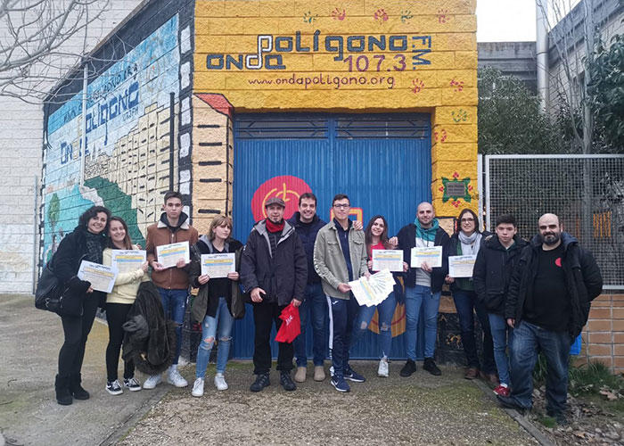 El Consistorio entrega los diplomas de la 12ª edición del Taller de Radio de Onda Polígono en el que participaron 25 jóvenes
