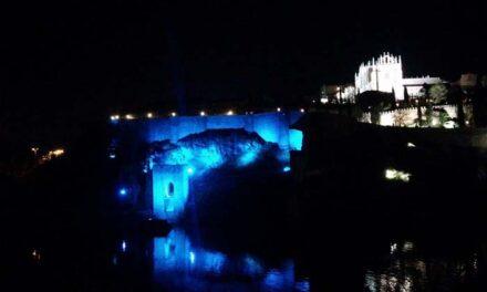 El Ayuntamiento ilumina este martes de azul los monumentos más emblemáticos con motivo del Día Internacional de la Enfermería
