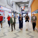La alcaldesa visita el Parque Comercial Abadía en su primer día de reapertura y destaca la reactivación del sector servicios